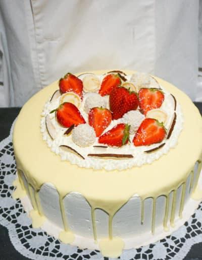 Eistorte Weiße Schoko-Erdbeer-Kokos